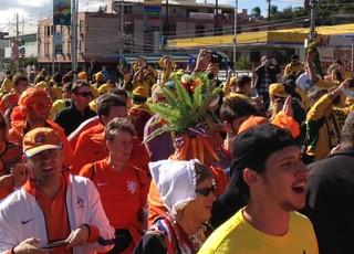 Torcedores das duas seleções seguem juntos  (Foto: Luiza Carneiro/GloboEsporte.com)