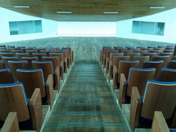 Saguão da nova Câmara tem capacidade para 336 pessoas (Foto: Adolfo Lima/ TV TEM)