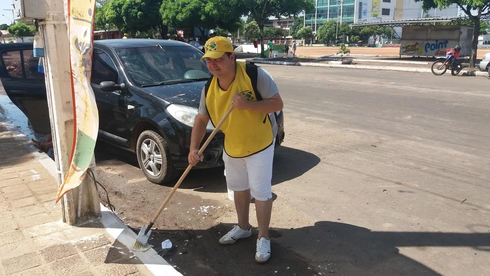 Dinael Monteiro diz que ação é importante para contribuir com a cidade (Foto: Jéssica Alves/G1)