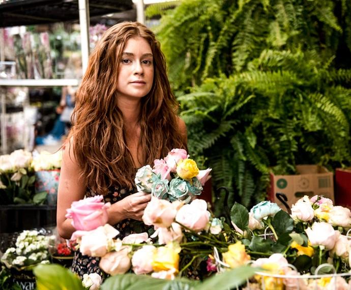 Eliza venderá flores nas ruas (Foto: Globo/Renato Rocha Miranda)