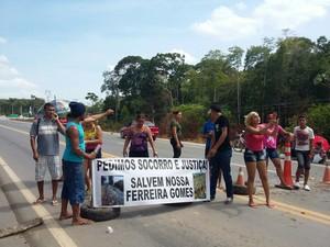 Protesto ocore desde às 4h desta quinta-feira (19) (Foto: Divulgação / Ascom PRF)