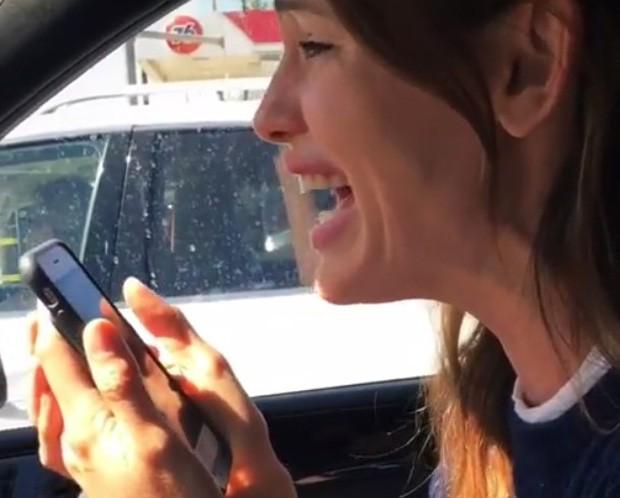 Jennifer Garner sob efeito de gás do riso (Foto: Reprodução/Instagram)