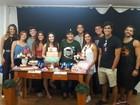 Milena Melo comemora aniversário de 14 anos com elenco de 'Malhação'