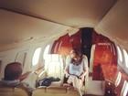 Ivete Sangalo reflete durante viagem de jatinho: 'Uma cantora pensativa'