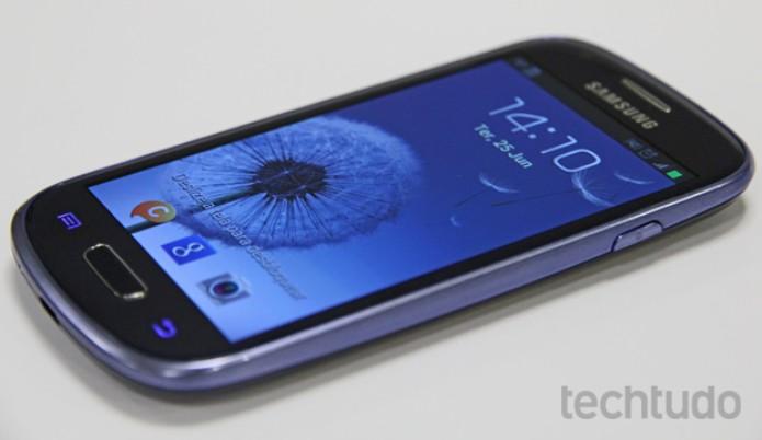 Display do Galaxy S3 mini tem ótimas cores e brilho (Foto: Marlon Câmara/TechTudo)