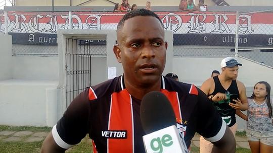 """Experiente Joelson passa para os jovens a """"força"""" da camisa do Serra"""