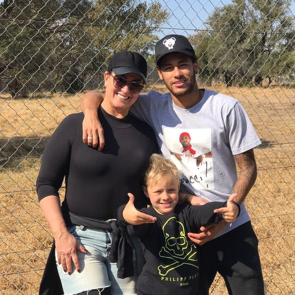 Neymar com a mãe e o filho (Foto: Instagram/Reprodução)