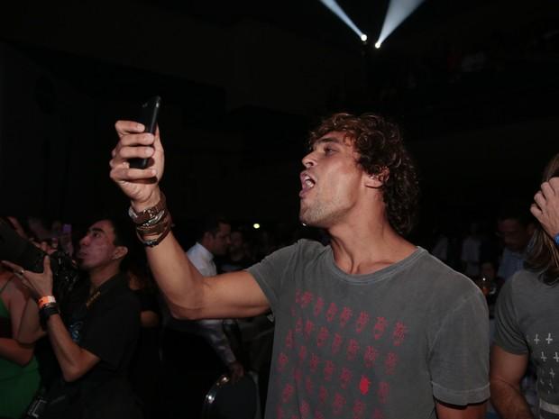 Felipe Roque em show no Rio (Foto: Felipe Panfili/ Divulgação)