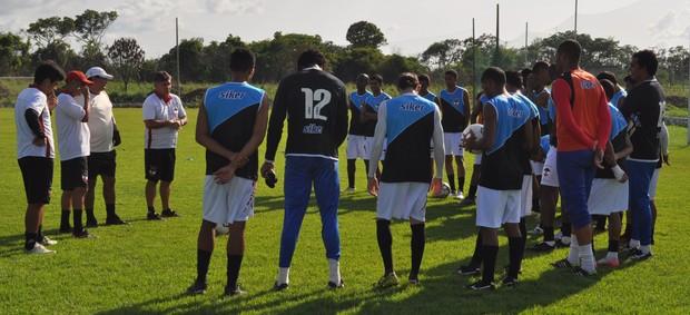 River-PI abre última semana de treinos antes da estreia no Campeonato Piauiense 2013 (Foto: Renan Morais/GLOBOESPORTE.COM)