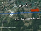 Caminhão tomba na Via Dutra, no RJ, e causa 7 km de congestionamento