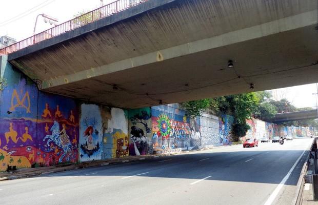 Muro foi pintado por 48 artistas, com material fornecido por empresa de tintas (Foto: Divulgação / Maxx Figueiredo)
