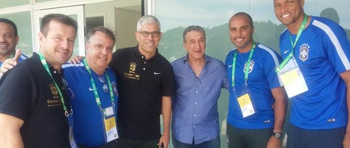 Dunga, Agnaldo, Ricardinho, Parreira, Deivid e Dida no curso de treinadores da CBF (Foto: Divulgação/Cruzeiro)