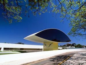 Museu Oscar Niemeyer (MON) completa dez anos nesta quinta-feira (22). (Foto: Carlos Renato Fernandes / Divulgação)