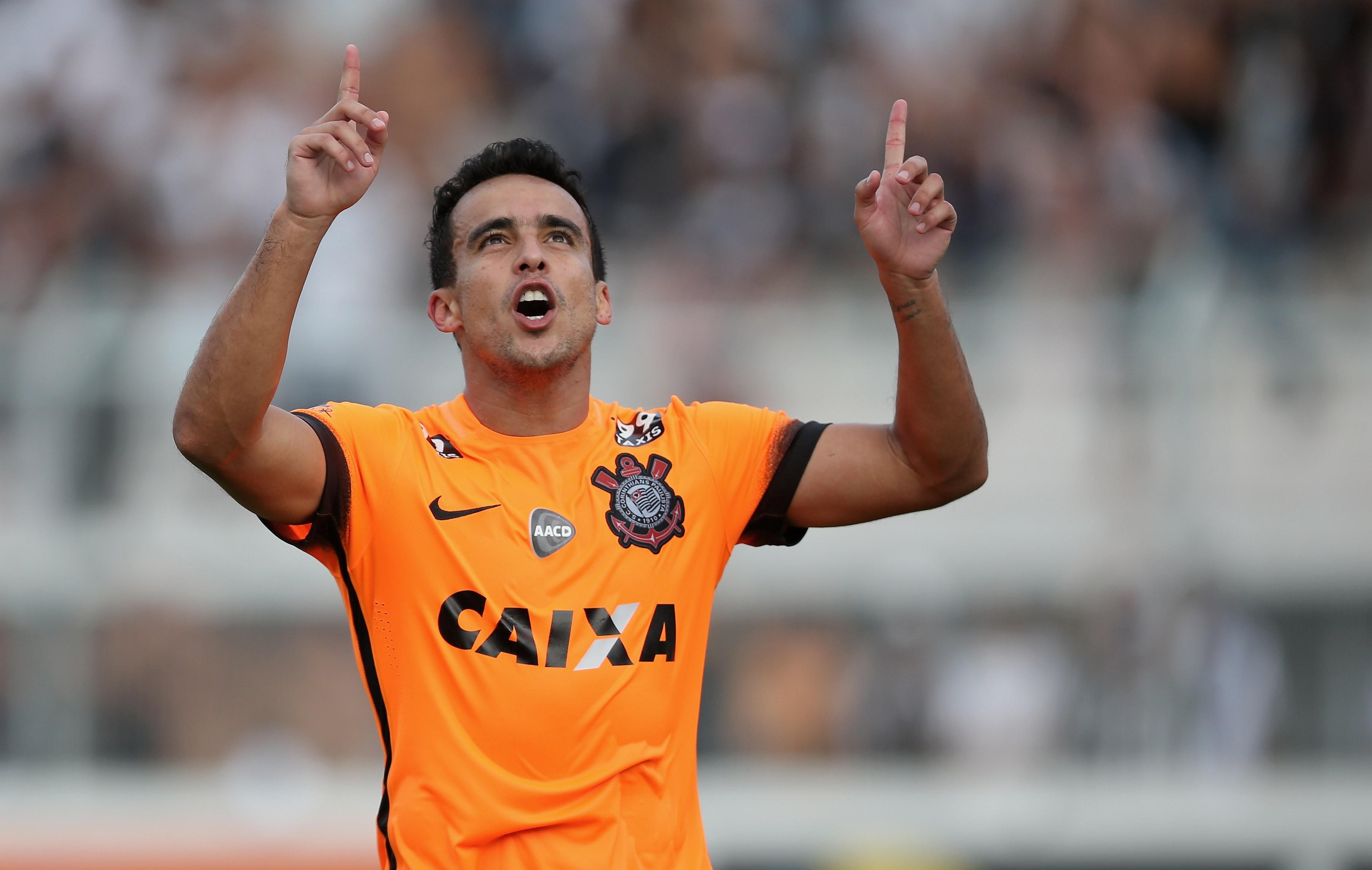 Jadson pelo Corinthians em 2015. Para jogador, Bolsonaro defende valores com os quais ele concorda. (Foto: Getty Images/ Friedemann Vogel )