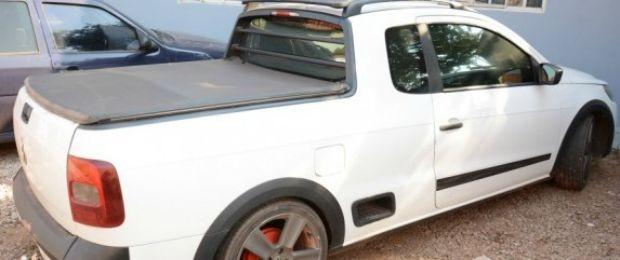 Carro comprado por R$ 24 mil também foi apreendido pela polícia (Foto: Varlei Cordova/ Agora MT)
