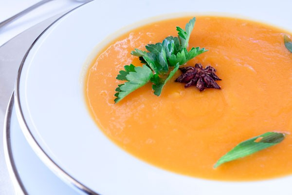 Sopa de cenoura ao curry e gengibre  (Foto: Divulgação)