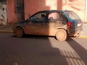 Terceiro ficou em veículo aguardando a dupla (Foto: Polícia Militar/Cedida)