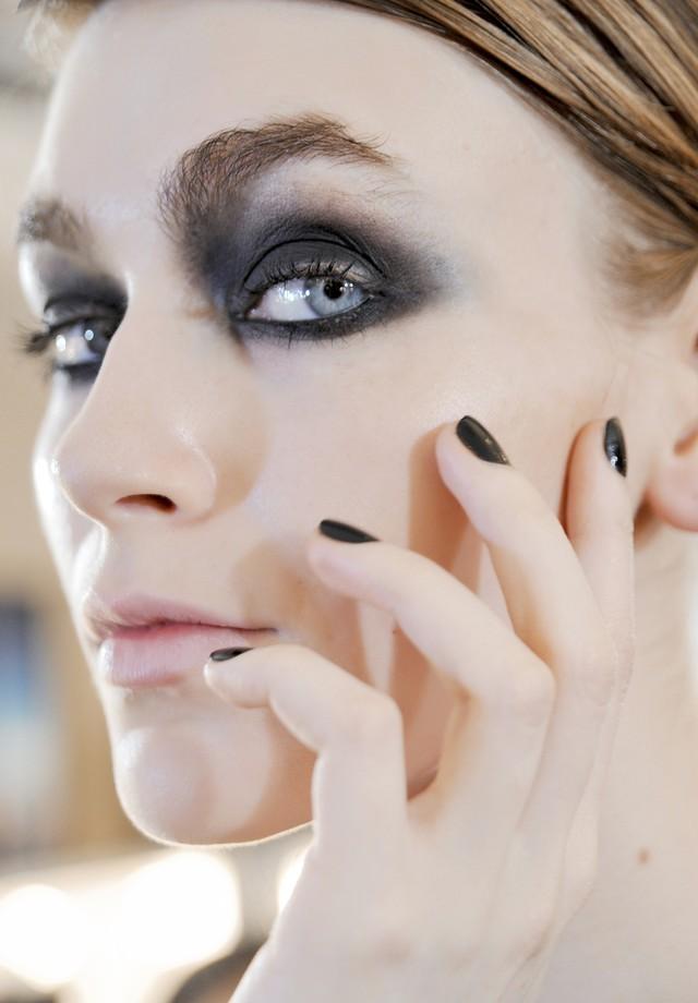 Carvão é tendência na beleza (Foto: ImaxTree)