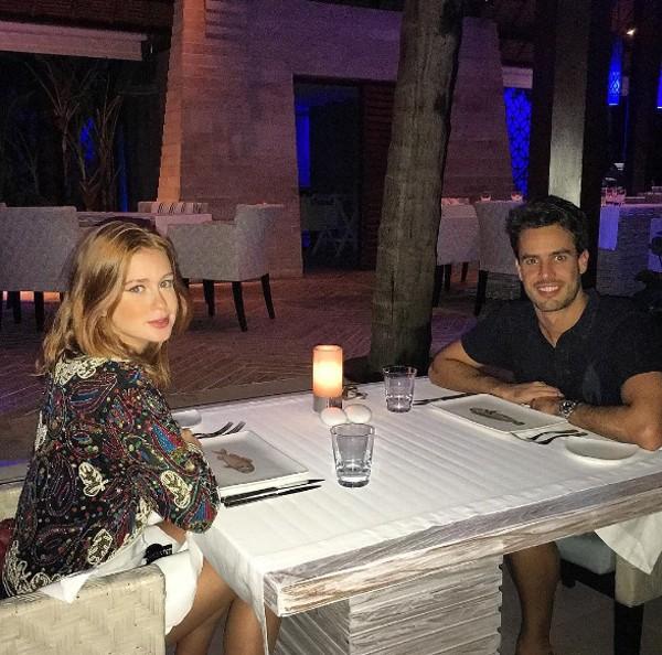 Marina Ruy Barbosa mostra jantar romântico com namorado (Foto: Reprodução / Instagram)