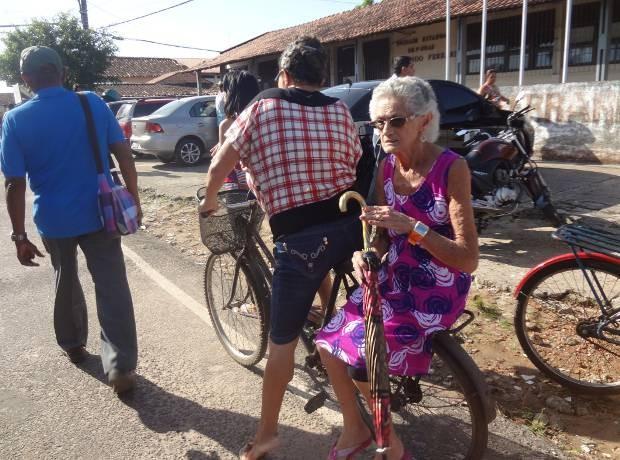 Aposentada Raimunda Pereira Fez questão de votar em Marituba (Foto: Thais Rezende/G1)