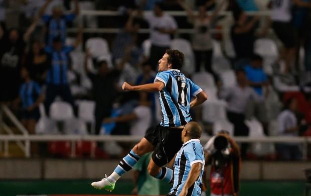 Elano gol Grêmio (Foto: Reuters)