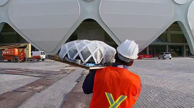 O artesão realizou o sonho de visitar a Arena da Amazônia (Foto: Bom Dia Amazônia)