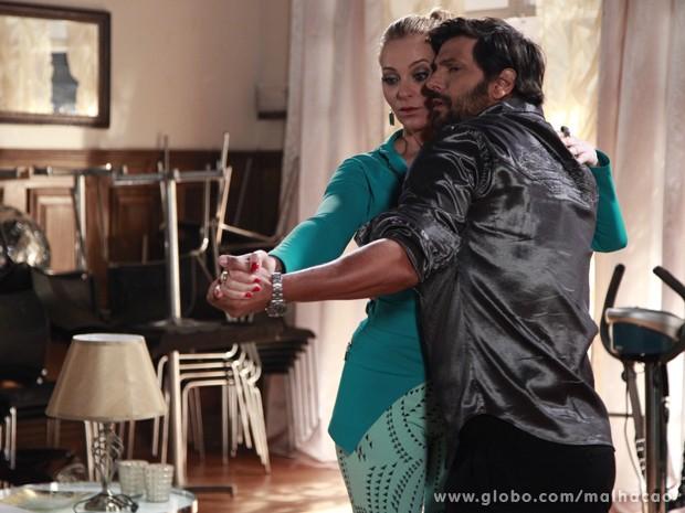 Será que finalmente Maura baixou a guarda?  (Foto: Malhação / TV Globo)