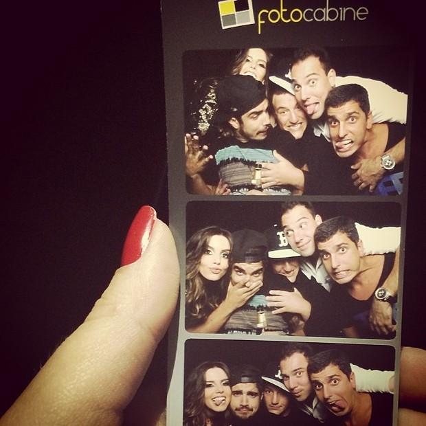 Caio Castro, Giovanna Lancellotti e amigos (Foto: Reprodução/Instagram)