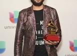 Ian Ramil vence Grammy Latino com melhor álbum de rock em português