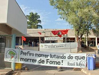 Manifestantes também ocupam sede do Incra em Cuiabá. (Foto: Reprodução/TVCA)