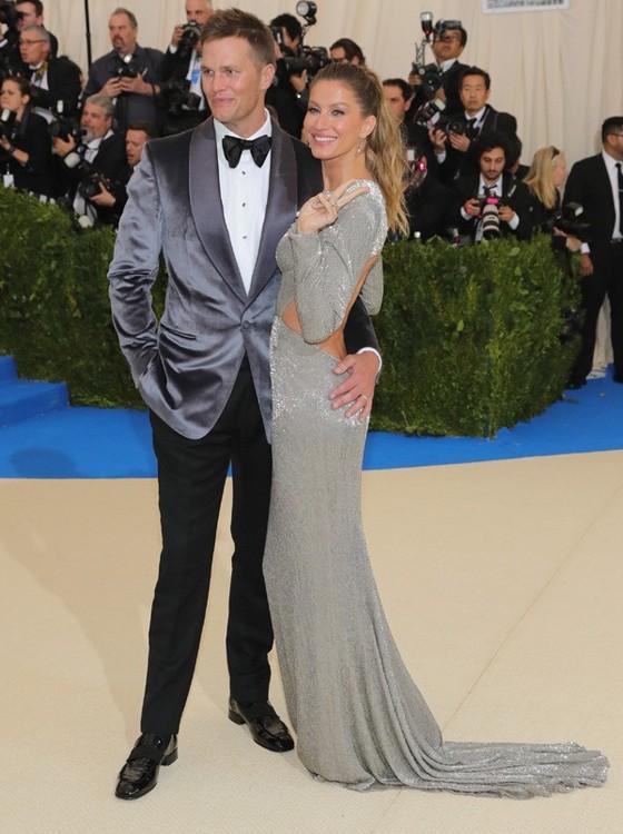 Tom Brady e Gisele: de longe o casal mais elegante e fotografado da festa (Foto: Getty Images)