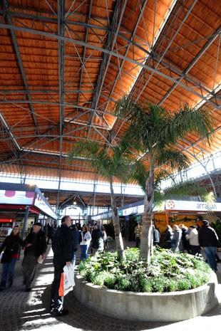 Interior do Mercado Agrícola de Montevidéu (Foto: Miguel Rojo/AFP)