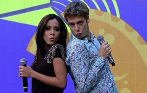 Anitta diz que odeia barraco e dá beijinho no ombro com Fábio Porchat