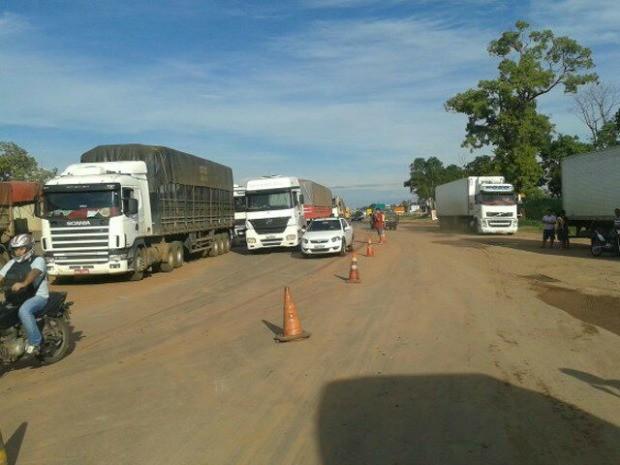Bloqueios foram liberados temporariamente em dois municípios de Mato Grosso (Foto: Assessoria/ PRF-MT)