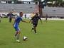 Independente goleia em jogo-treino, e Piá se anima com postura antes da A3