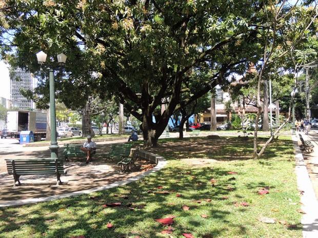 Praça Chora Menino, no Paissandu, também ganhou o título de Jardim Histórico da Cidade (Foto: Marina Barbosa / G1)