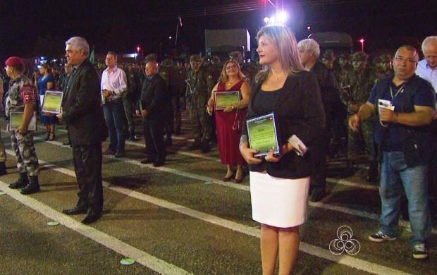 Jornalista recebeu o diploma 'Amigo da Brigada' em Roraima (Foto: Bom Dia Amazônia)