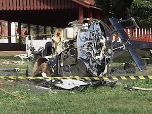 Helicóptero em que o cantor estava ficou destruído (Foto: Reprodução / TV Tem)