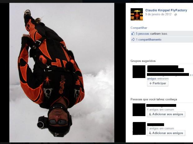 Paraquedista fazia salto no estilo freefly, um dos mais rápidos da modalidade (Foto: Reprodução/ Facebook)