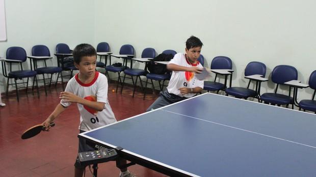 Pequenos atletas são a promessa do tênis de mesa em RO (Foto: Larissa Vieira/GLOBOESPORTE.COM)
