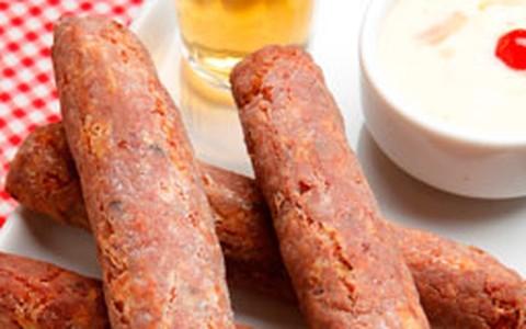 Petisco Charuto de Carne-Seca, do Armazém São Thiago