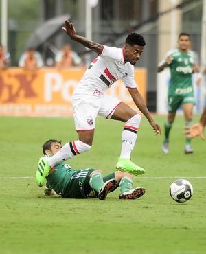 São Paulo x Palmeiras Michel Bastos (Foto: Marcos Ribolli)
