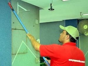 Márcio de Souza, pintor e técnico em hidráulica, do Praquemarido (Foto: Luciano Calafiori/G1)