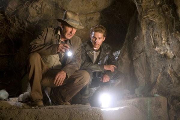 Harrison Ford e Shia LaBeouf em Indiana Jones e o Reino da Caveira de Cristal (2008) (Foto: Divulgação)