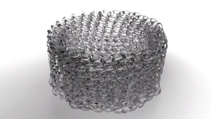 Impressora que usa vidro pode criar objetos com formas complexas e que parecem obras de arte (Foto: Reprodução/Vimeo)