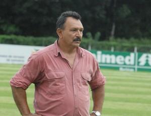 Nélio Pereira, técnico do Izabelense durante a Segindinha do Parazão em 2012 (Foto: Ary Souza / O Liberal)