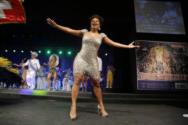 Juliana Alves em evento na Cidade do Samba, na Zona Portuária do Rio (Foto: Marcello Sá Barretto/ Ag. News)