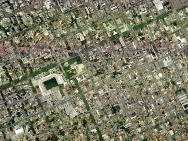 Arena da Baixada, em Curitiba, em foto feita em 30 de outubro de 2001 (Foto: Base Aerofotogrametria)
