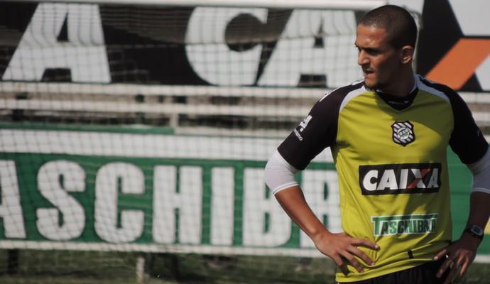 Mateus Alves zagueiro Figueirense (Foto: Renan Koerich)