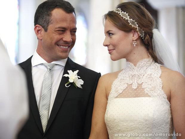 Paloma e Bruno finalmente se tornam marido e mulher (Foto: Amor à Vida/TV Globo)